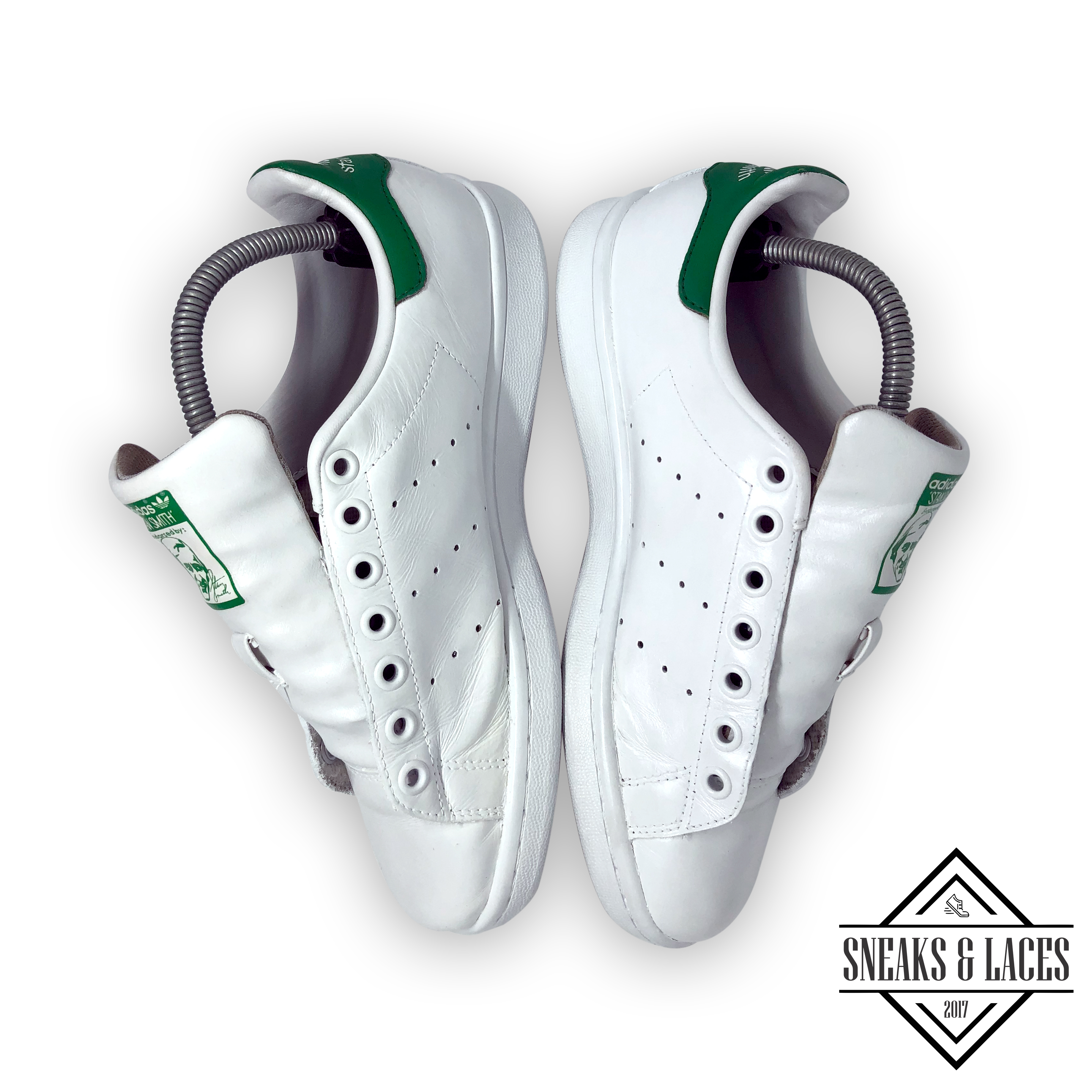 stan smith sneaks up